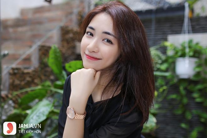 Ca sỹ Hòa Minzy
