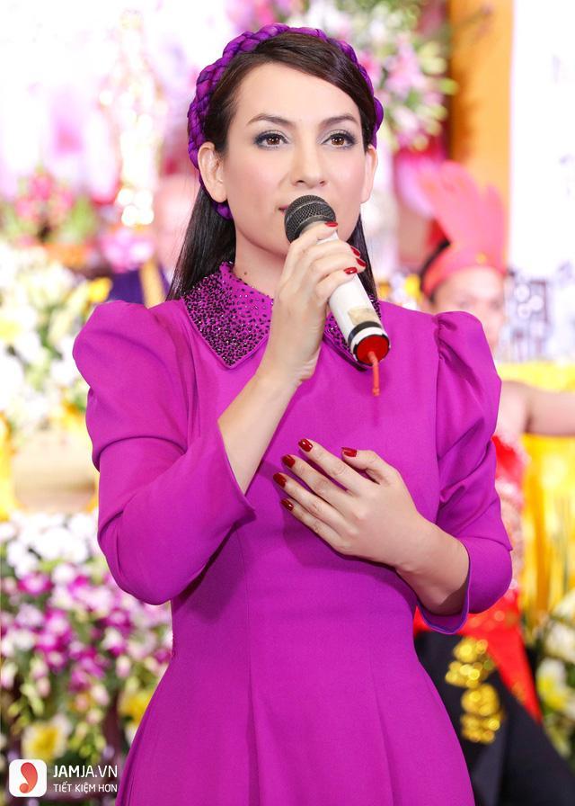 Ca sỹ Phi Nhung - 1