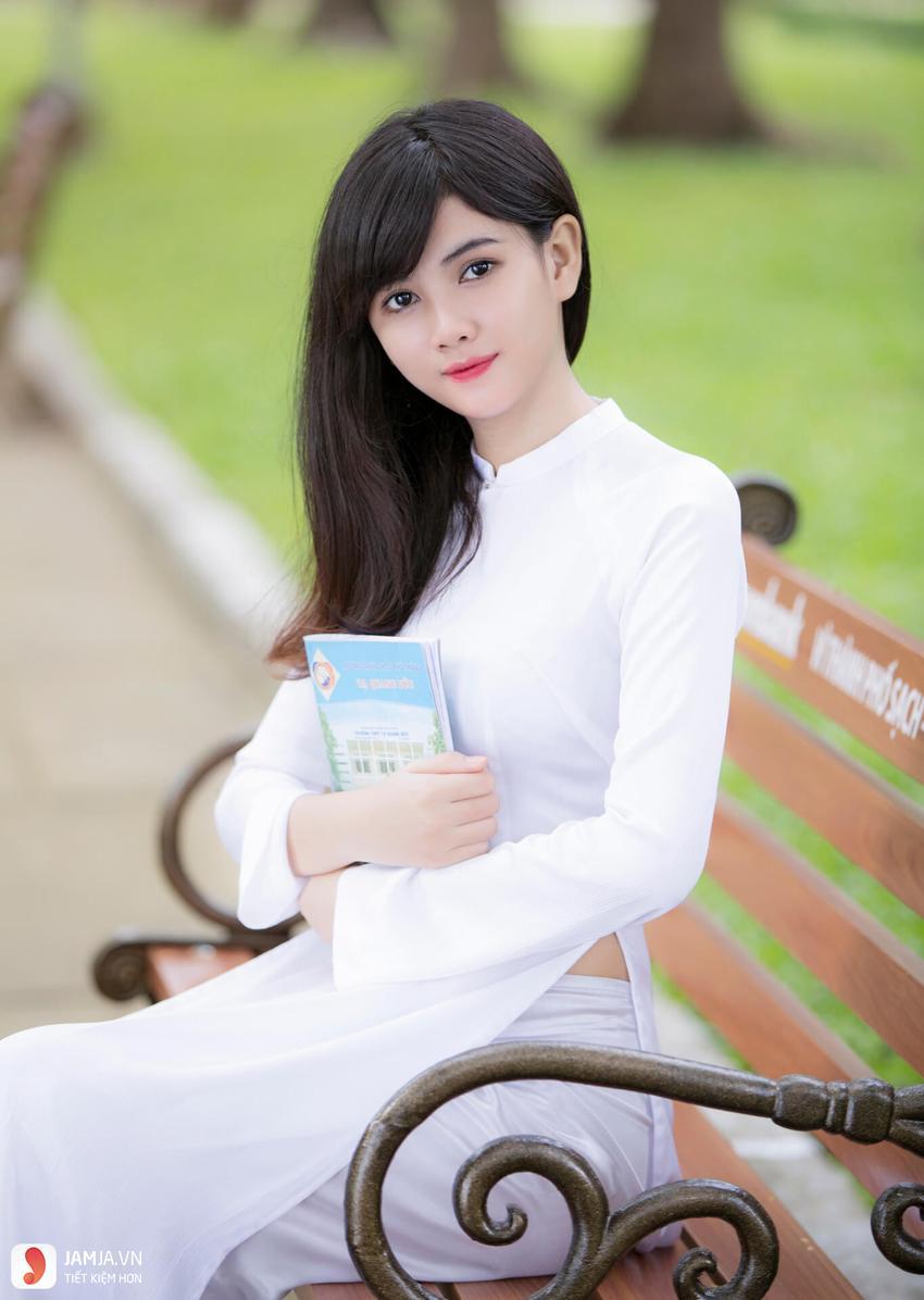 Các kiểu áo dài trắng nữ sinh đẹp-2