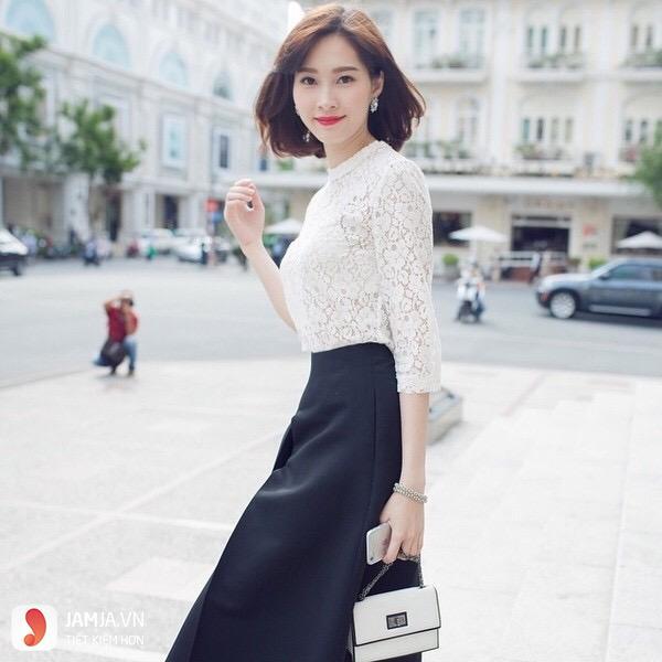Áo voan nữ tính và chân váy đen xòe