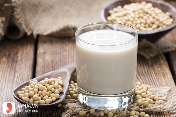 Mặt nạ sữa đậu nành cùng với chanh tươi