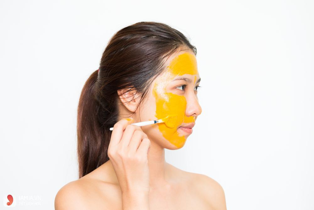Đắp mặt nạ nghệ mật ong có tác dụng gì? 1