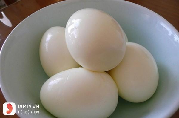 Lăn trứng gà có lột vỏ không-1
