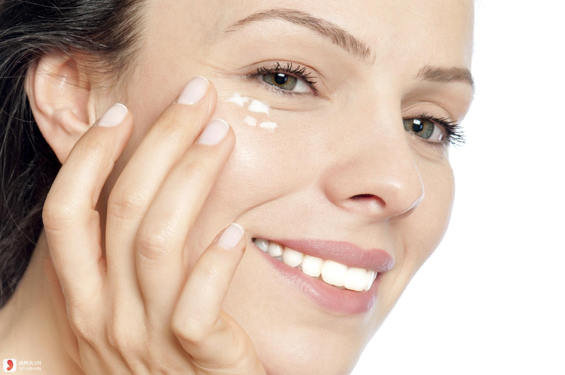 lưu ý khi chữa trị bầm tím mắt