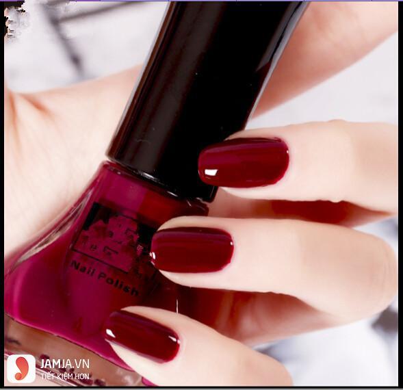Các loại sơn móng tay màu đỏ rượu vang 2