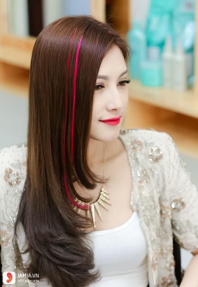 Highlight đỏ trên nền tóc vàng