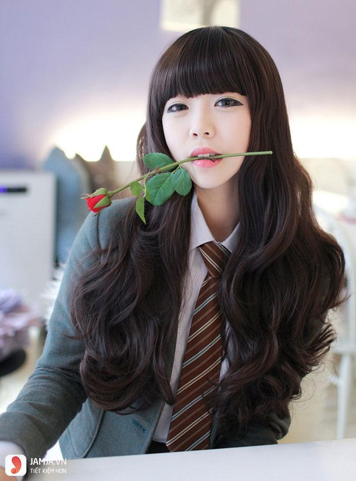 tóc đen dài xoăn đẹp-9