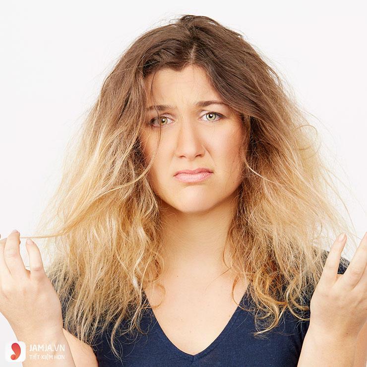 nỗi khổ tâm của những cô nàng có mái tóc dày và cứng