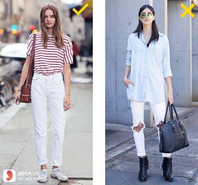 Cách phối quần jean trắng với giầy