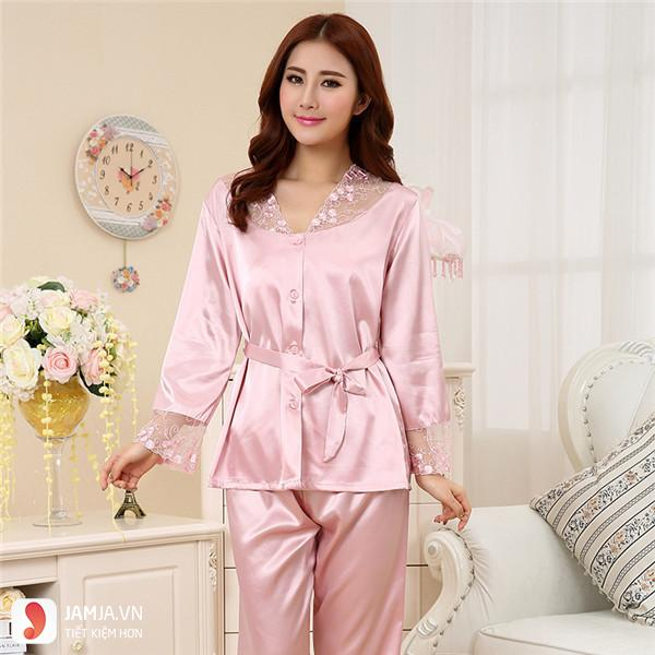 Bộ đồ dài Pyjama truyền thống mặc ở nhà