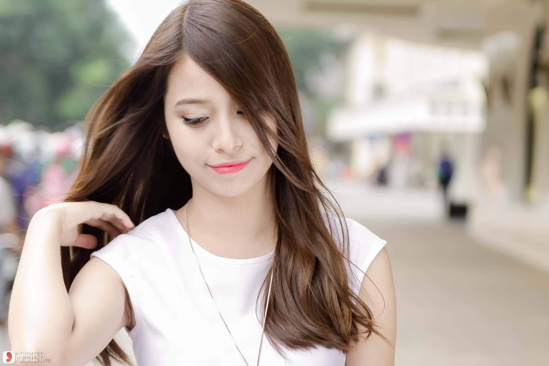 Tóc dài suông thẳng