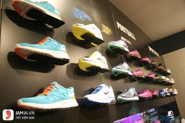 Nike Store 1