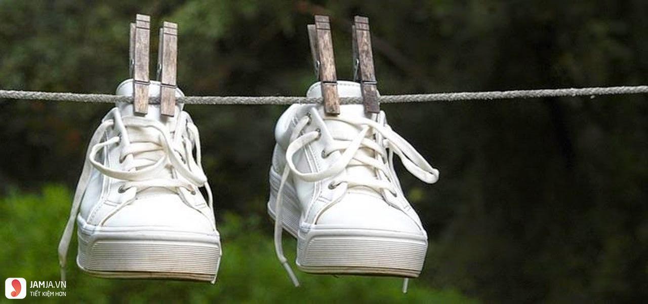 Cách phơi giày