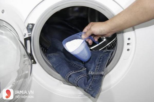 Cách giữ màu và độ co dãn của quần jean