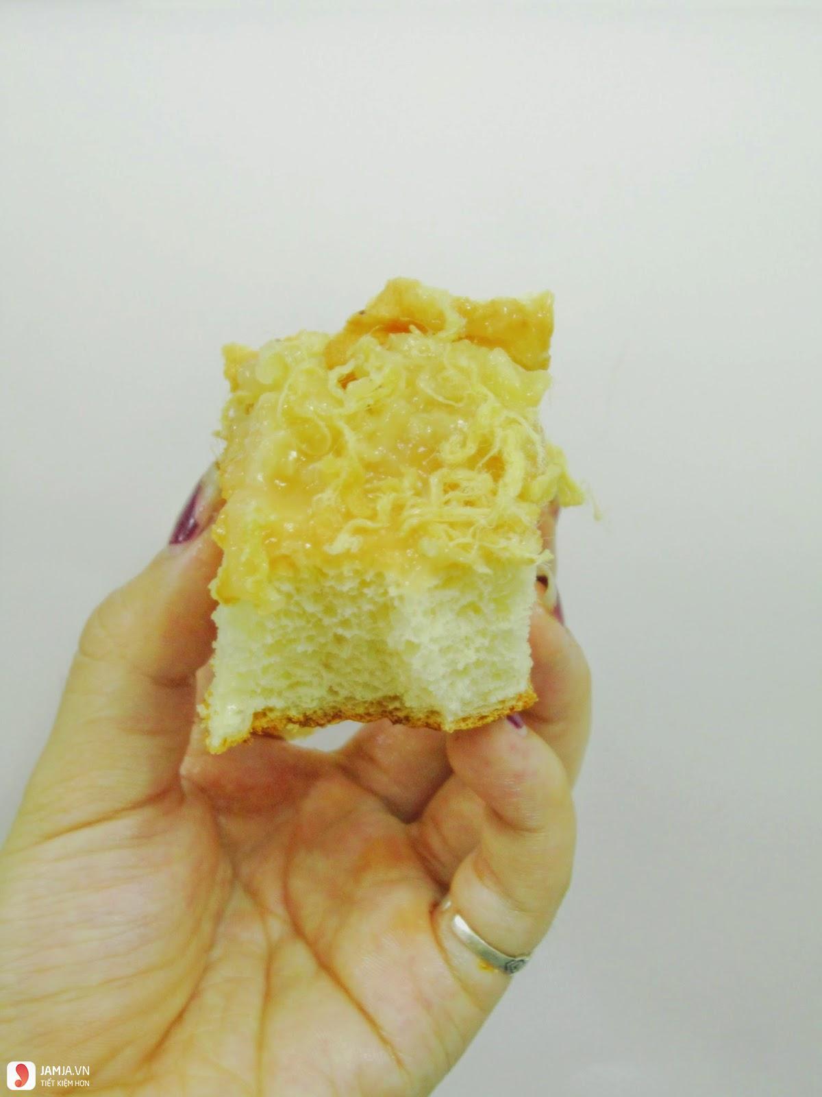 Cách làm bánh đơn giản từ bột mì và trứng 1