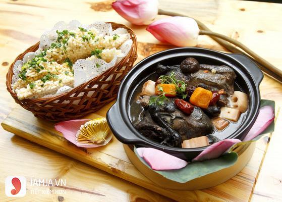 Cách nấu gà ác hầm hạt sen - 3