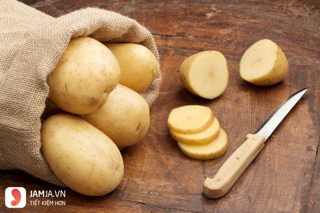 Cách làm mặt nạ khoai tây mật ong 1