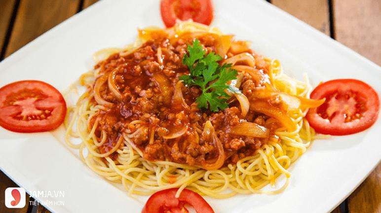 cách làm mì xào sốt cà chua 5