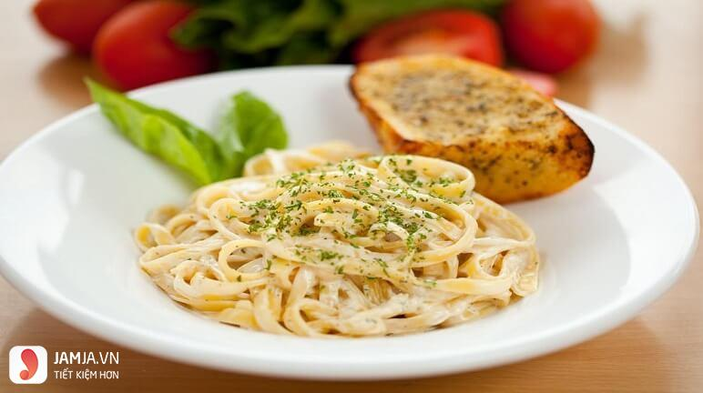 Cách làm mỳ Ý phô mai 9