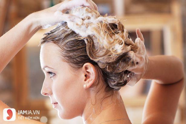 Cách làm tóc nhuộm lên màu sáng hơn