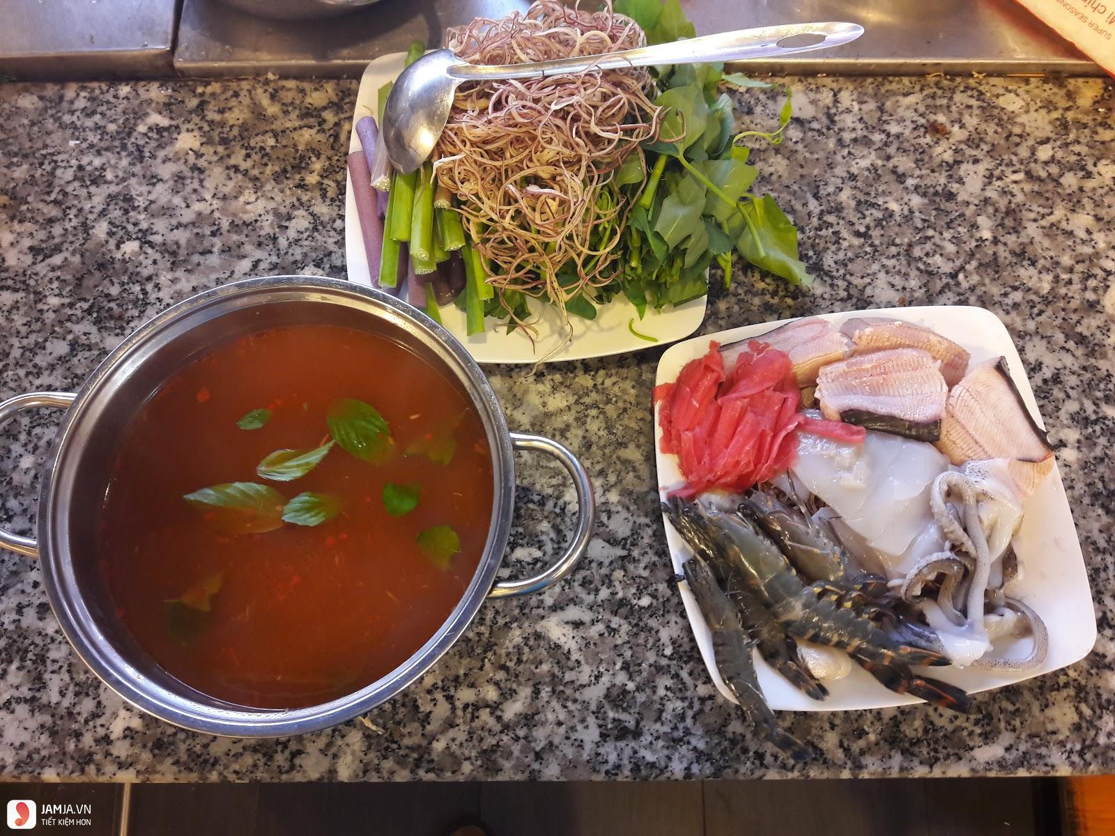 Cách nấu lẩu Thái hải sản 1
