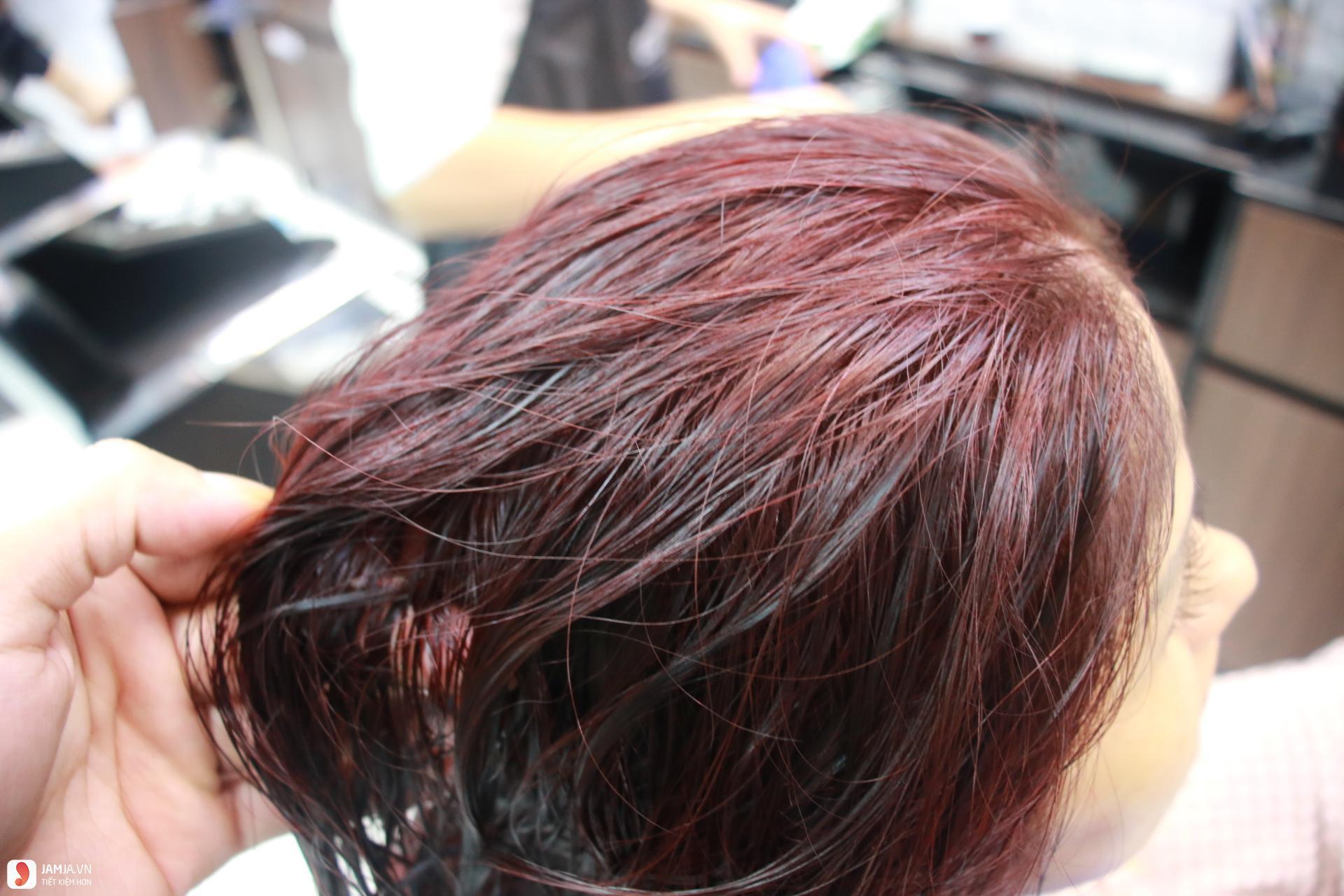 cách pha thuốc nhuộm tóc tại nhà 2