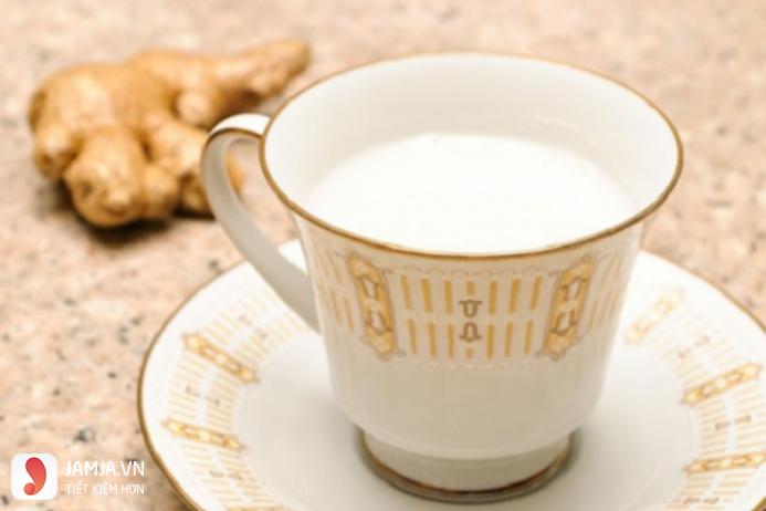 Cách pha trà sữa nóng2