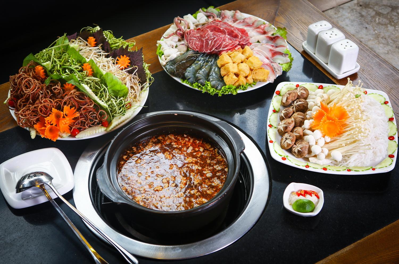 Cánh Đồng Quán