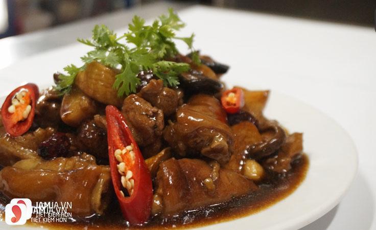 Chân giò nấu nấm Đông Cô thơm ngon, bổ dưỡng