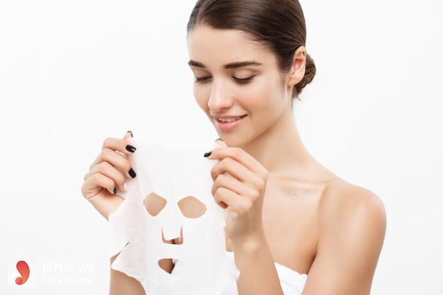 Hướng dẫn đắp mặt nạ giấy đúng cách tại nhà đơn giản, hiệu quả 3