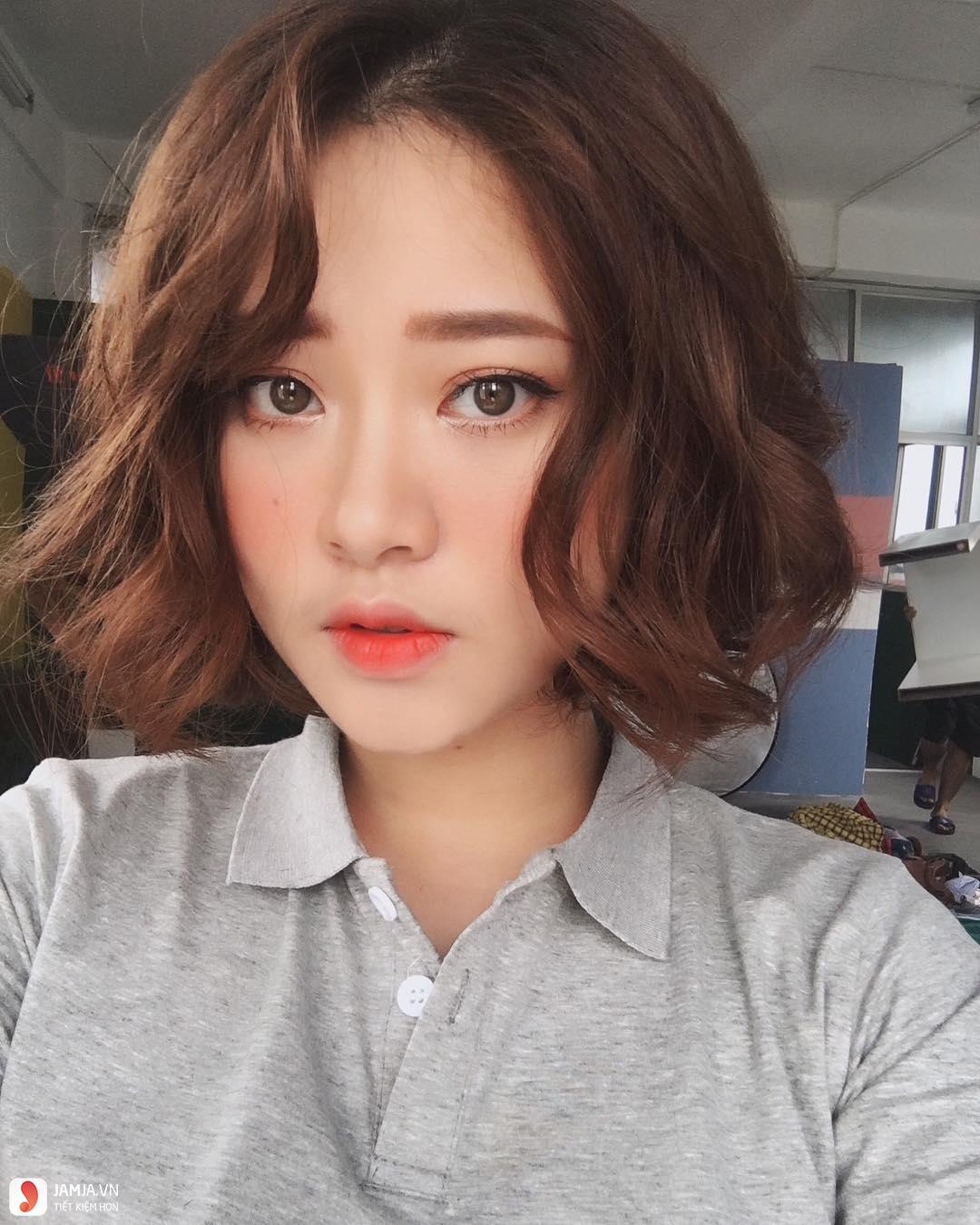 Kiểu tóc rẽ mái