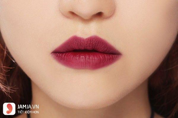 son môi màu đỏ rượu vang 1