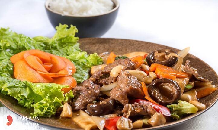 Món thịt bắp bò xào nấm hương 1