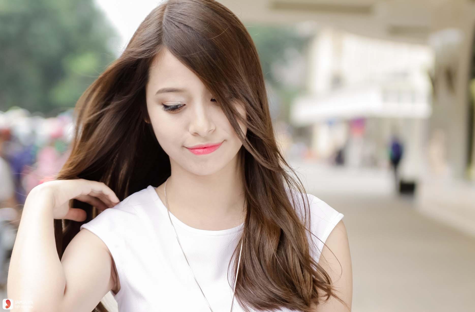 Tóc ngắn ngang vai mái dài