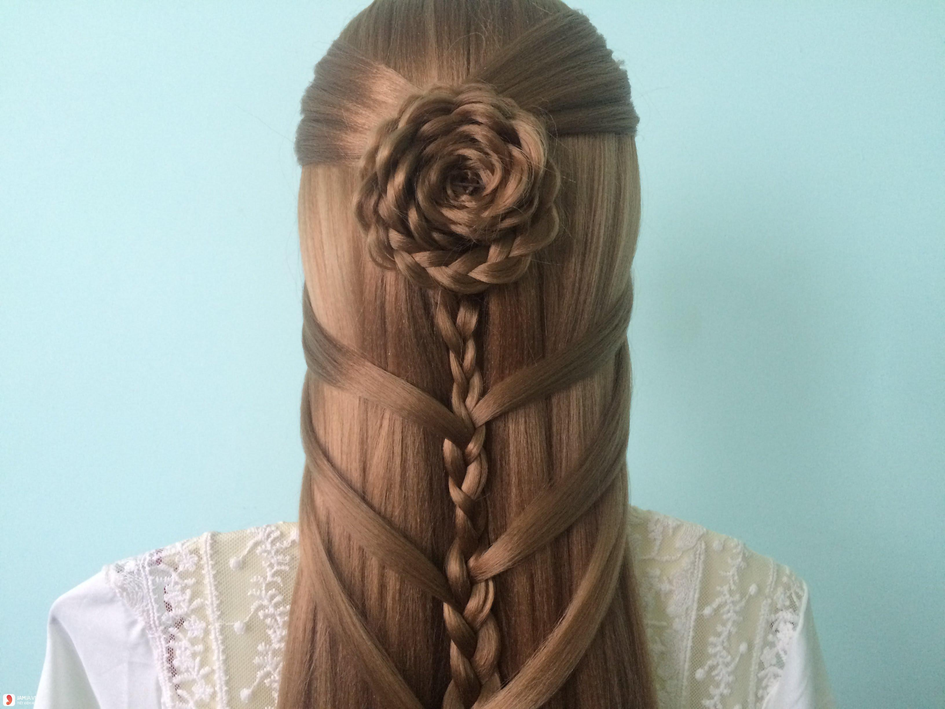 Tết tóc hình bông hoa 2