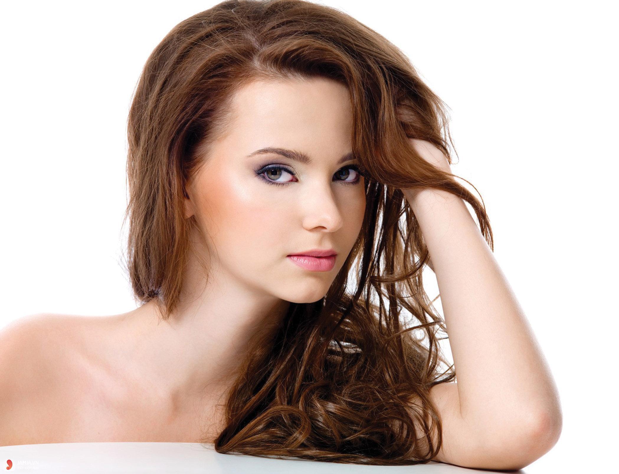 dùng dưỡng tóc