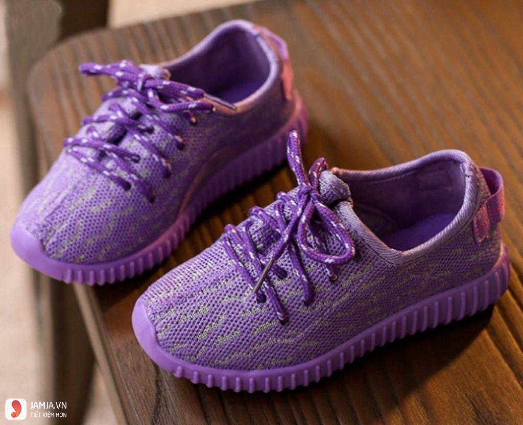 Giày thể thao cho bé gái 10 tuổi