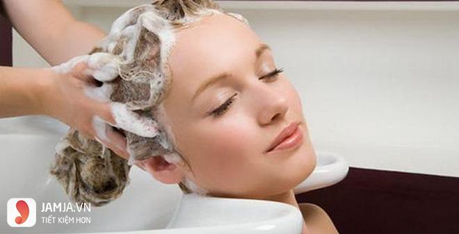 Gội đầu sau khi nhuộm