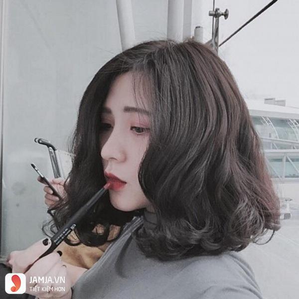hướng dẫn cách chăm sóc tóc uốn ngang lưng 1