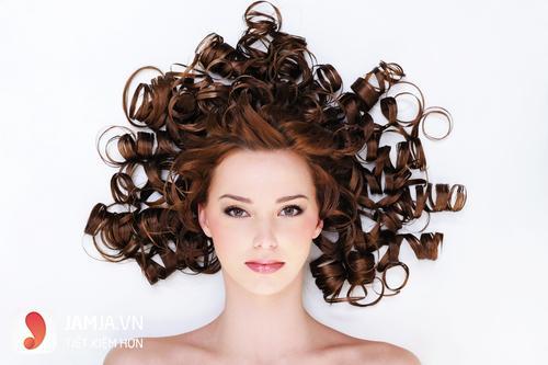 hướng dẫn chăm sóc tóc uốn đuôi ngang lưng 2
