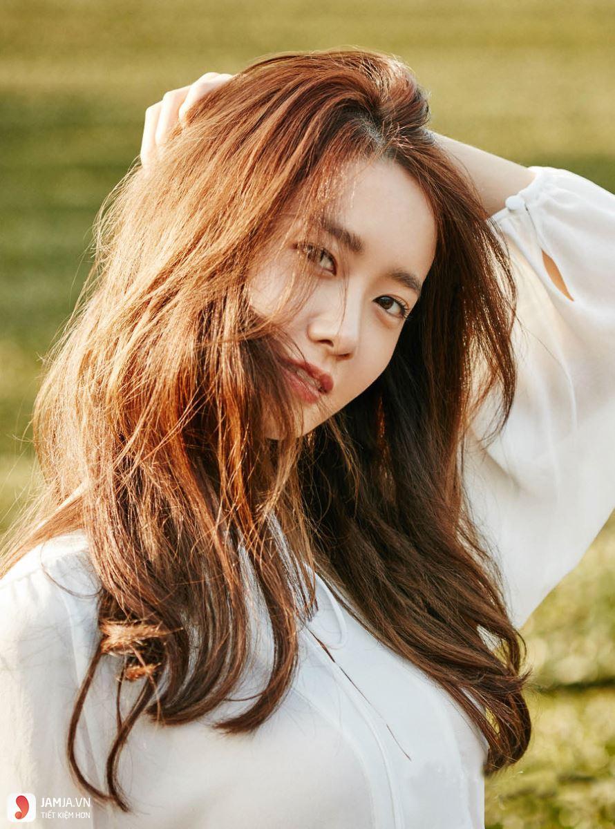 Kiểu tóc dài không để mái