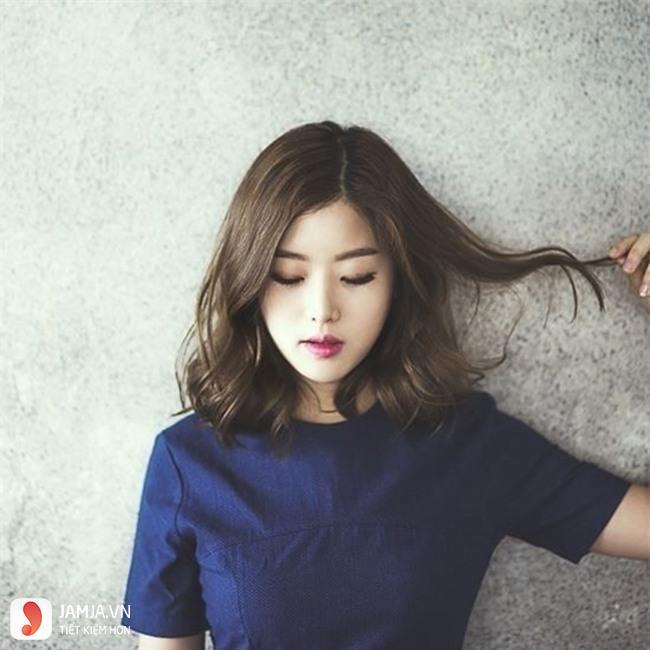 tóc ngắn xoăn sóng nước 7