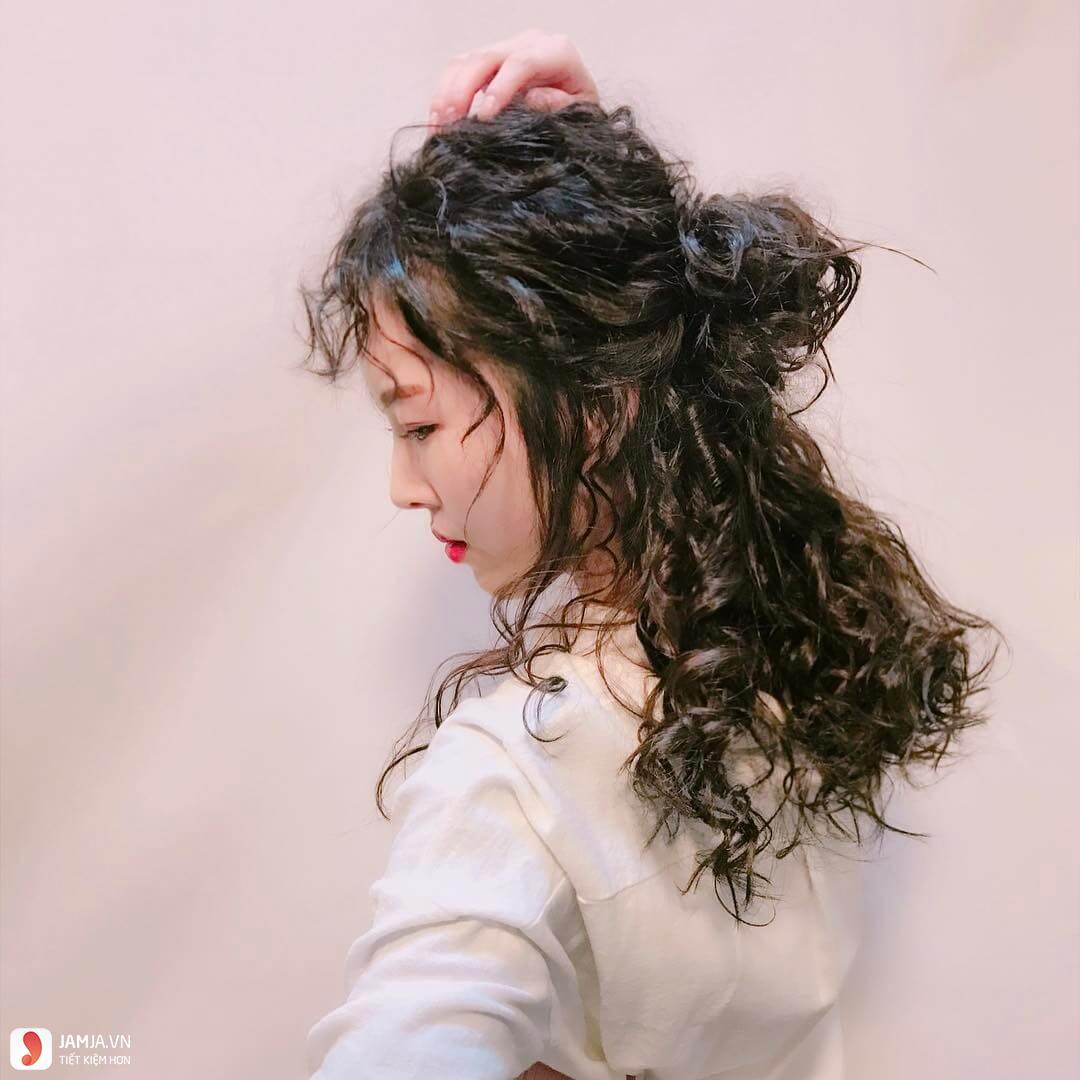 Uốn xù đũa với cô nàng tóc dài 2