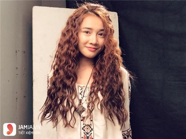 Uốn xù đũa với cô nàng tóc dài 3