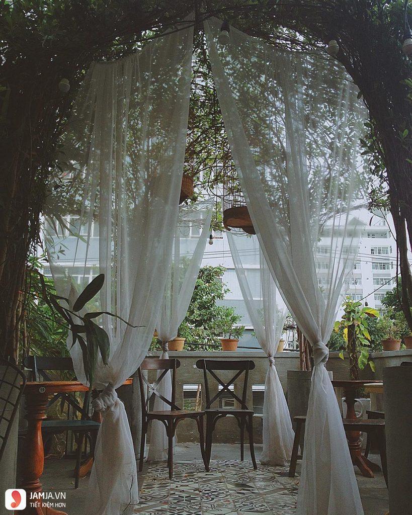 Pavilion Garden 2