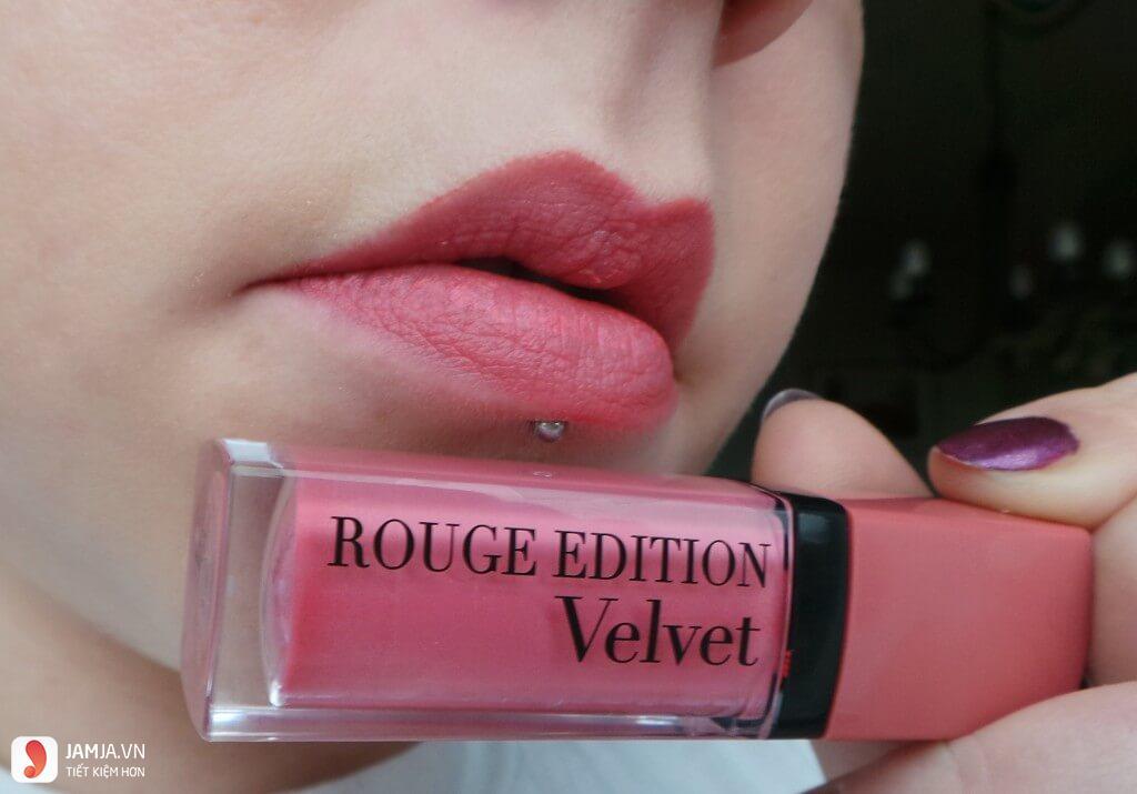 Review sonkem Bourjois Rouge Edition Velvet màu 10
