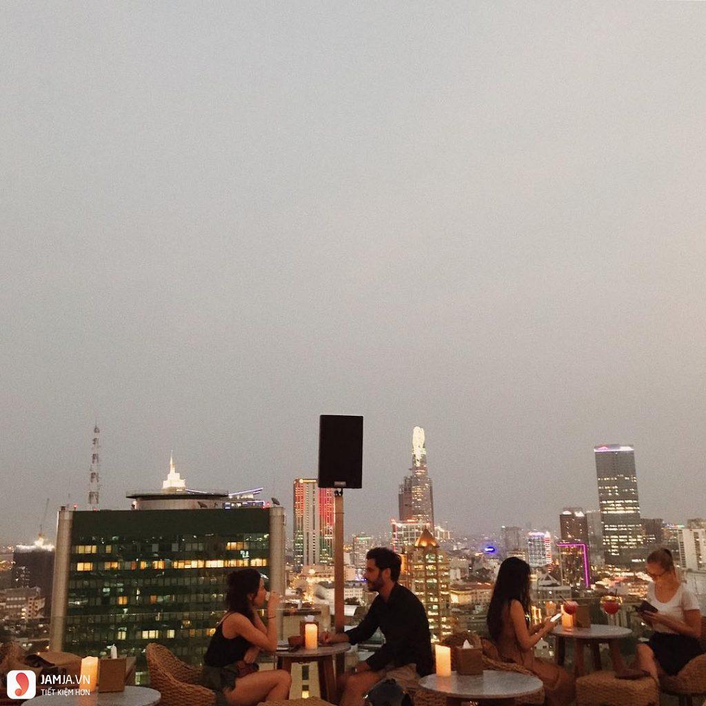 Rooftop Pool Bar - 3