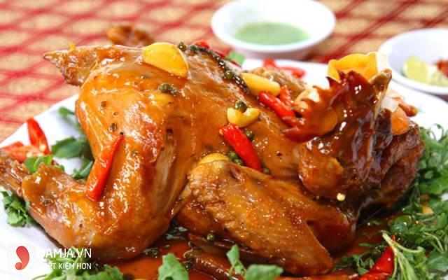 cách làm gà hấp nước mắm nhĩ1