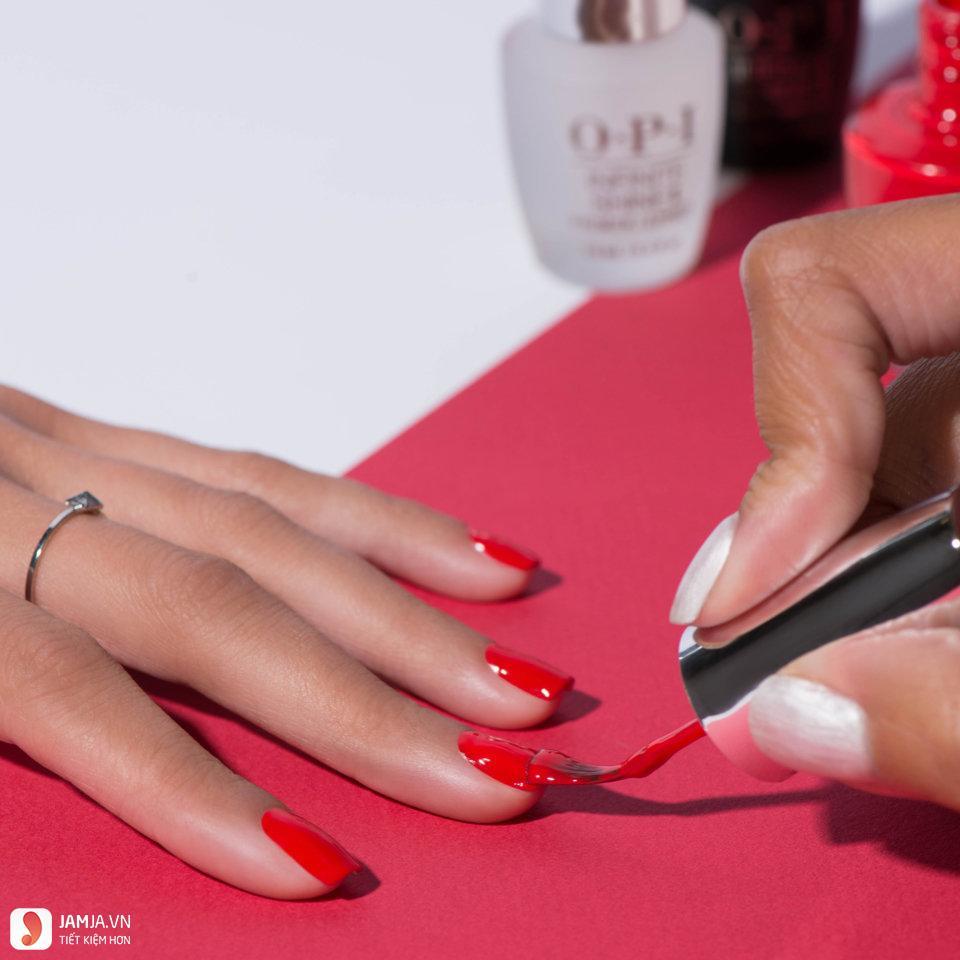 Cách sử dụng sơn móng tay OPI Infinite Shine