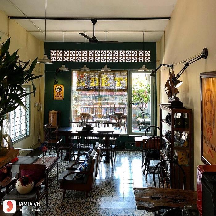 Saigon Retro Cafe không gian